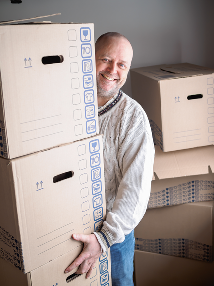 packing and unpacking for boomers with a Sr. move manager