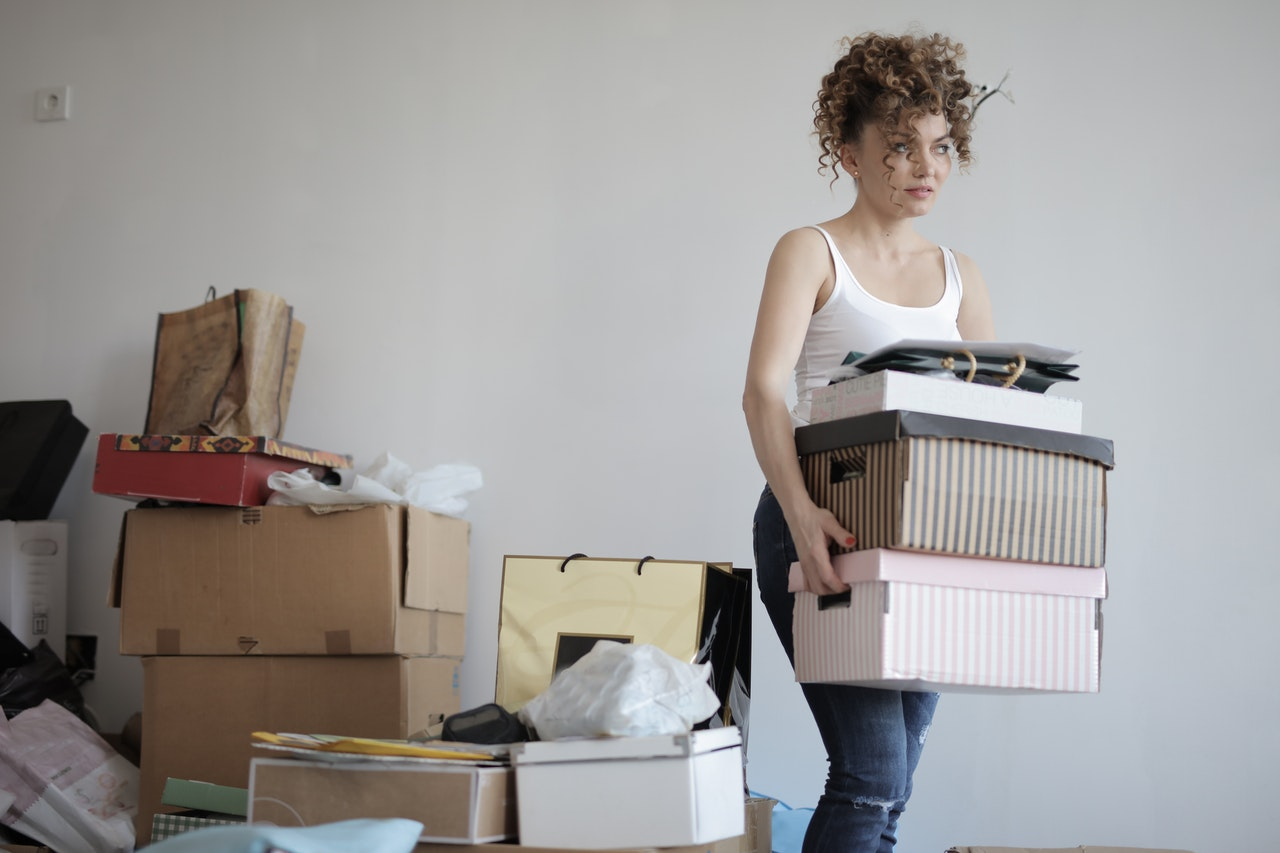 Stressful jobs: junk removal, decluttering, pack and unpack for a move. All of these are helped by using a professional organizer and move manager