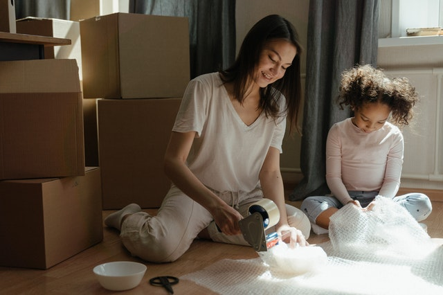 Busy parents with small children can benefit from professional move management.