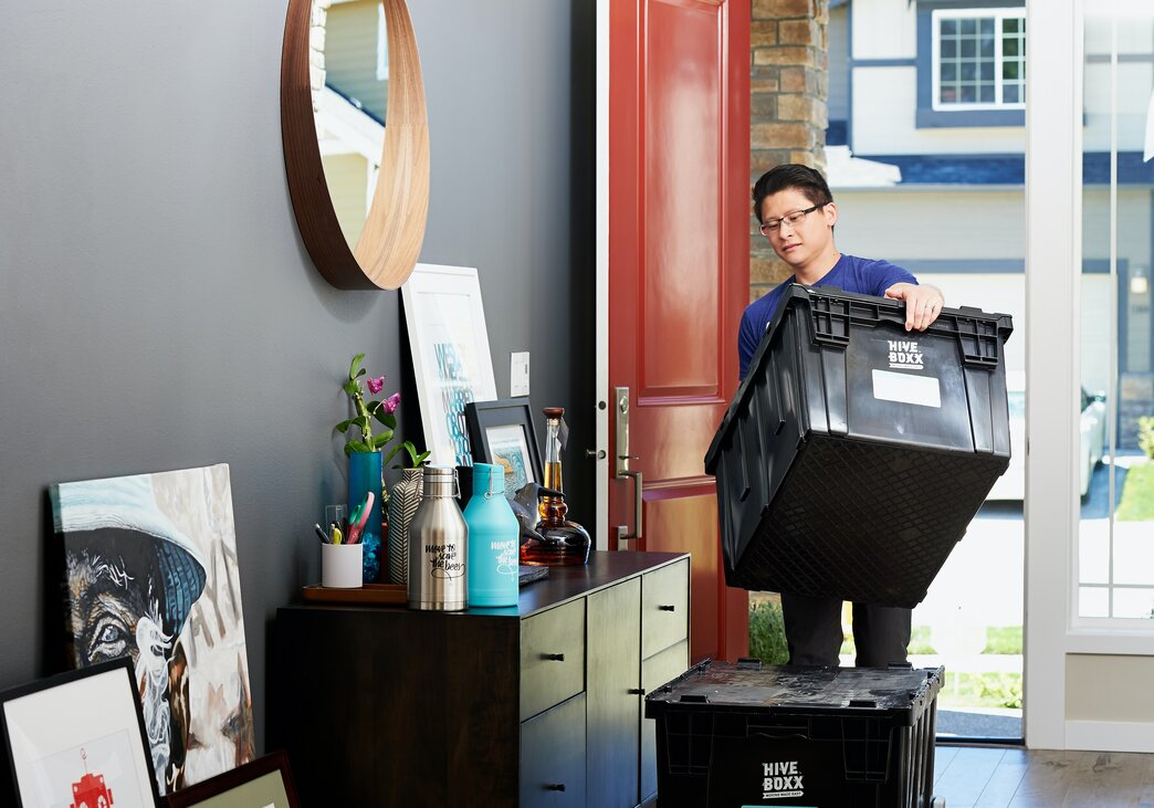 Moving and setting up a a new office is a job for a professional organizer.